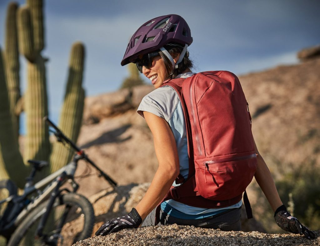 HydroFlask+Journey+Insulated+Hydration+Packs