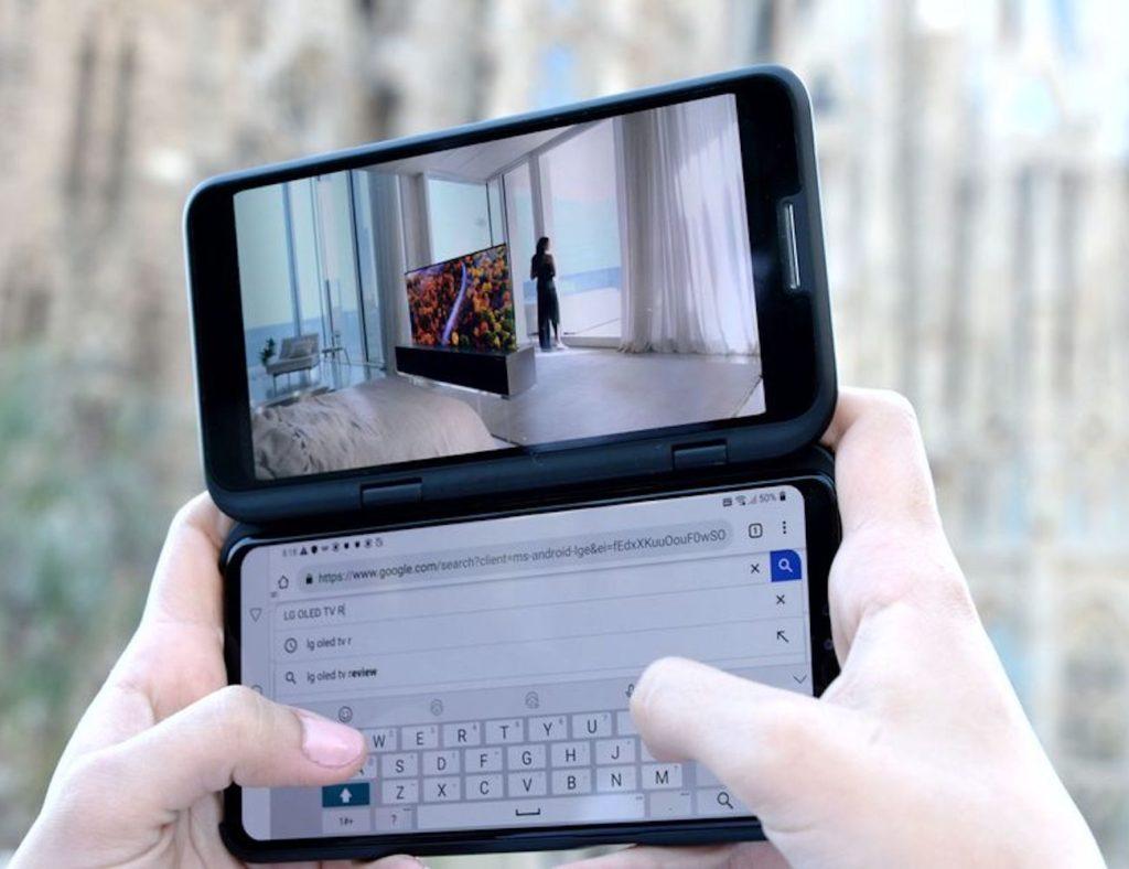 LG+V50+ThinQ+5G+Dual+Screen+Smartphone+has+an+optional+second+screen
