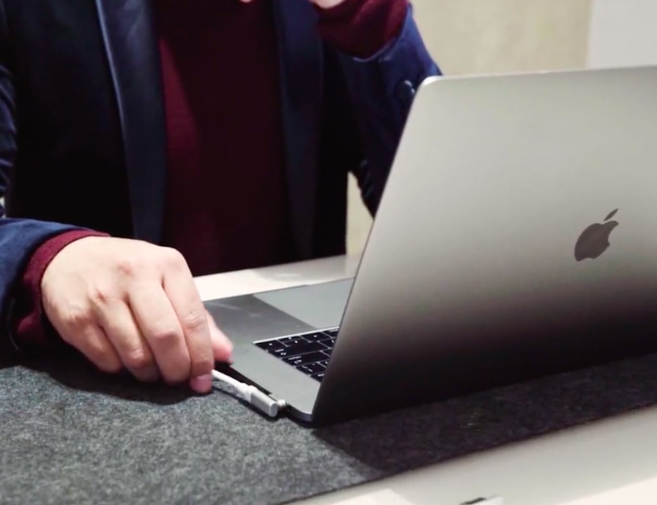 MagX Magnetic MacBook Connector