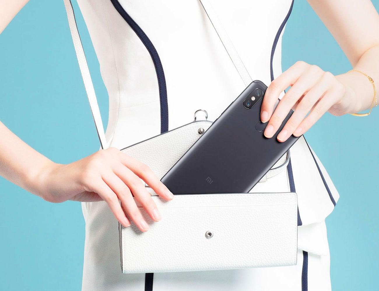 Xiaomi Mi Max 3 Full Screen Display Smartphone boasts a large screen