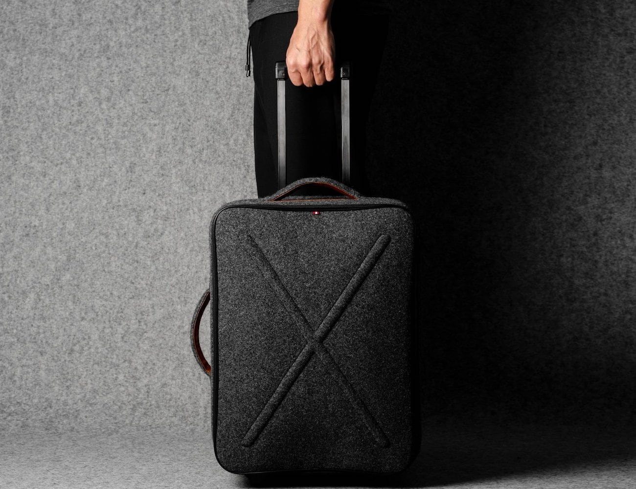 hardgraft Worldly Cabin Suitcase adds style to your trip