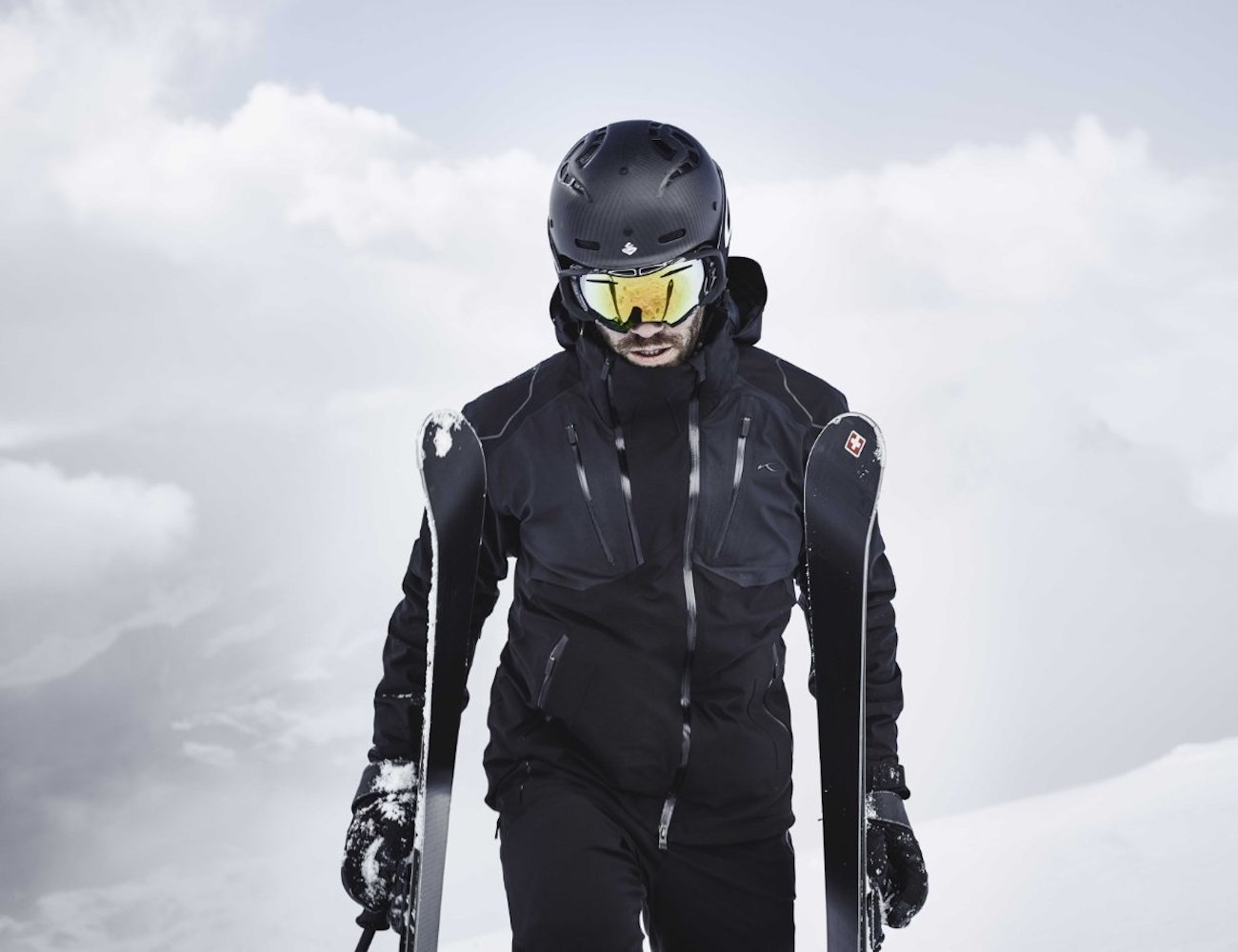 7SPHERE HYDRO_BOT Wearable Tech Ski Jacket manages moisture
