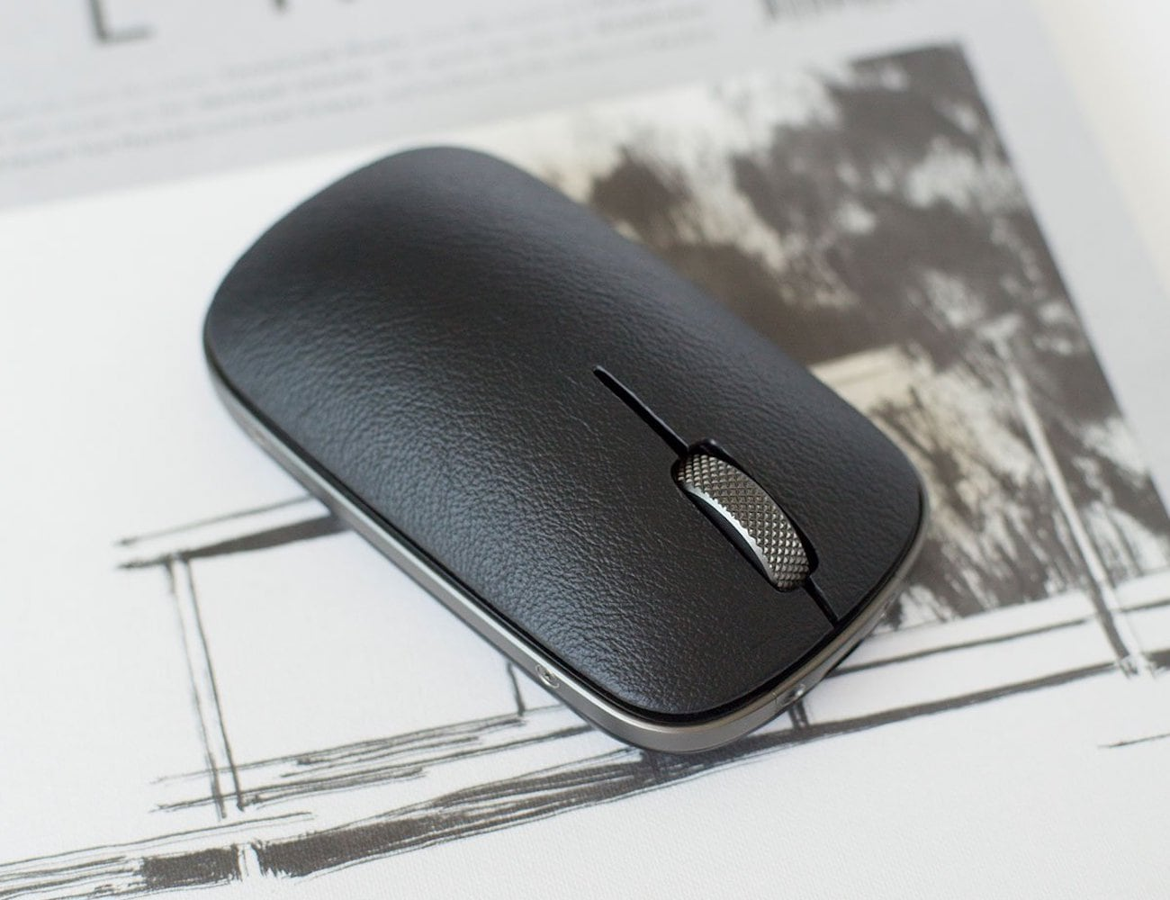 AZIO Retro Classic Mouse works on almost any surface
