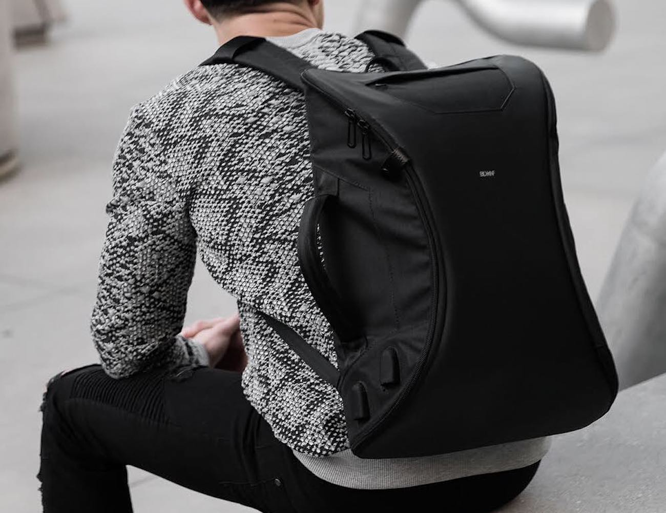 BLACKKNIFE M-1 Functional Daily Backpack brings your office anywhere