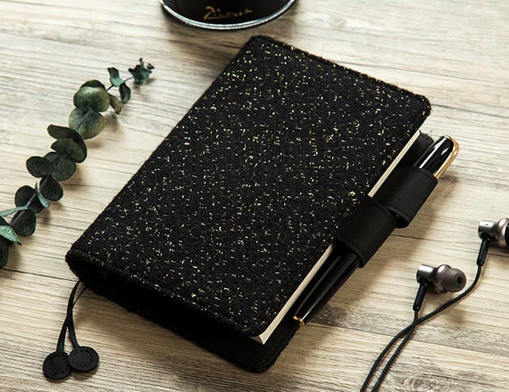 Black+Wool+Hardcover+Notebook+Cover+offers+a+fresh+look+for+your+ideas