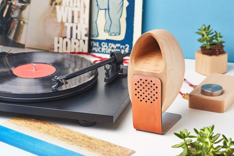 This Speaker System Uses Wood S Acoustic Properties To