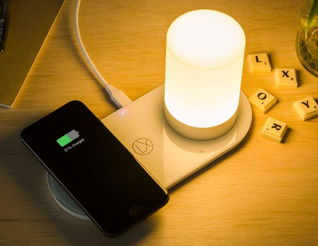 LXORY+Wireless+Charging+Lamp+provides+power+and+light