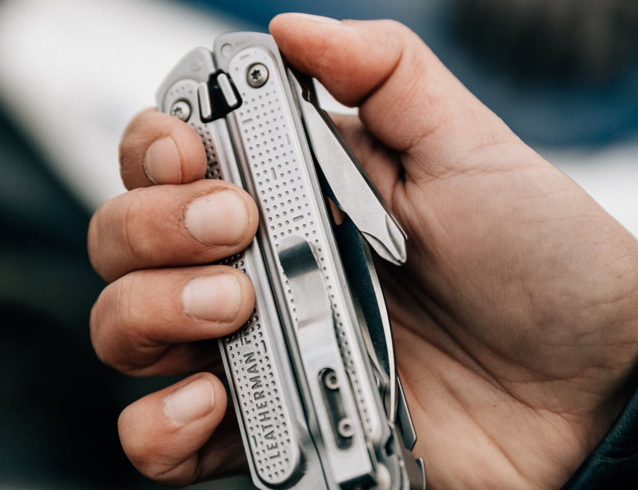 Leatherman FREE Magnetic Multi Tool opens with one hand