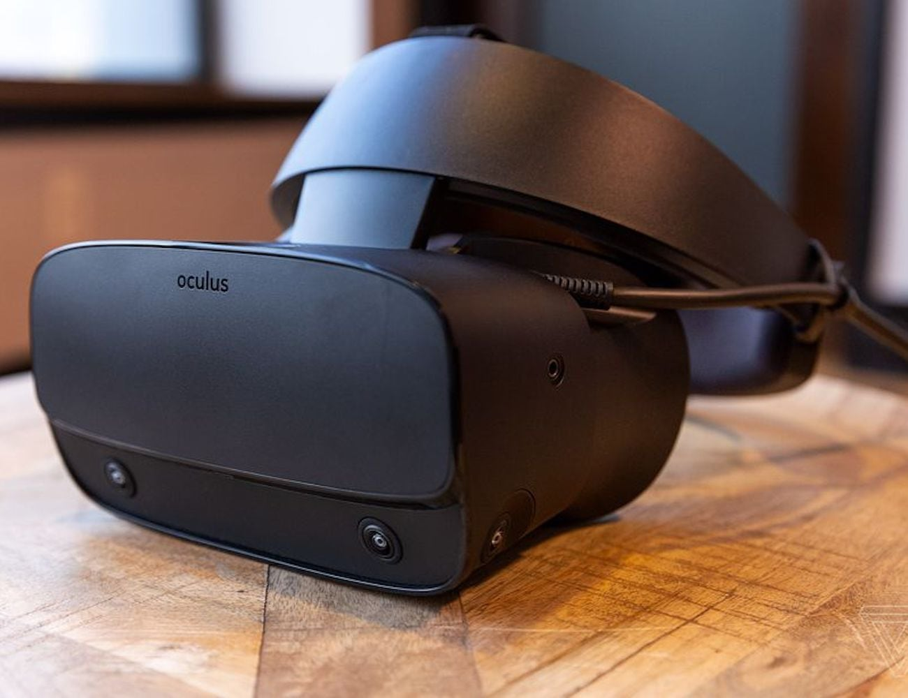 Oculus Rift S High-Resolution VR Headset translates your movements without sensors