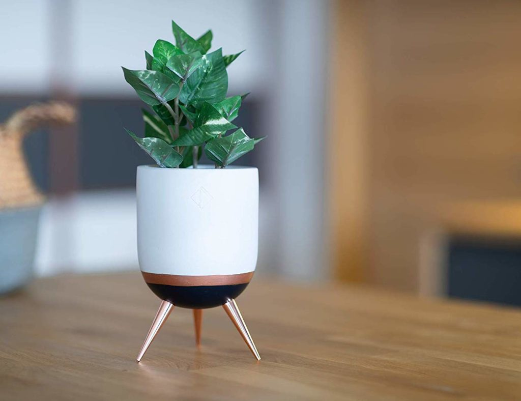PERNER+Tri-Legged+Ceramic+Flower+Pot+adds+greenery+to+your+space