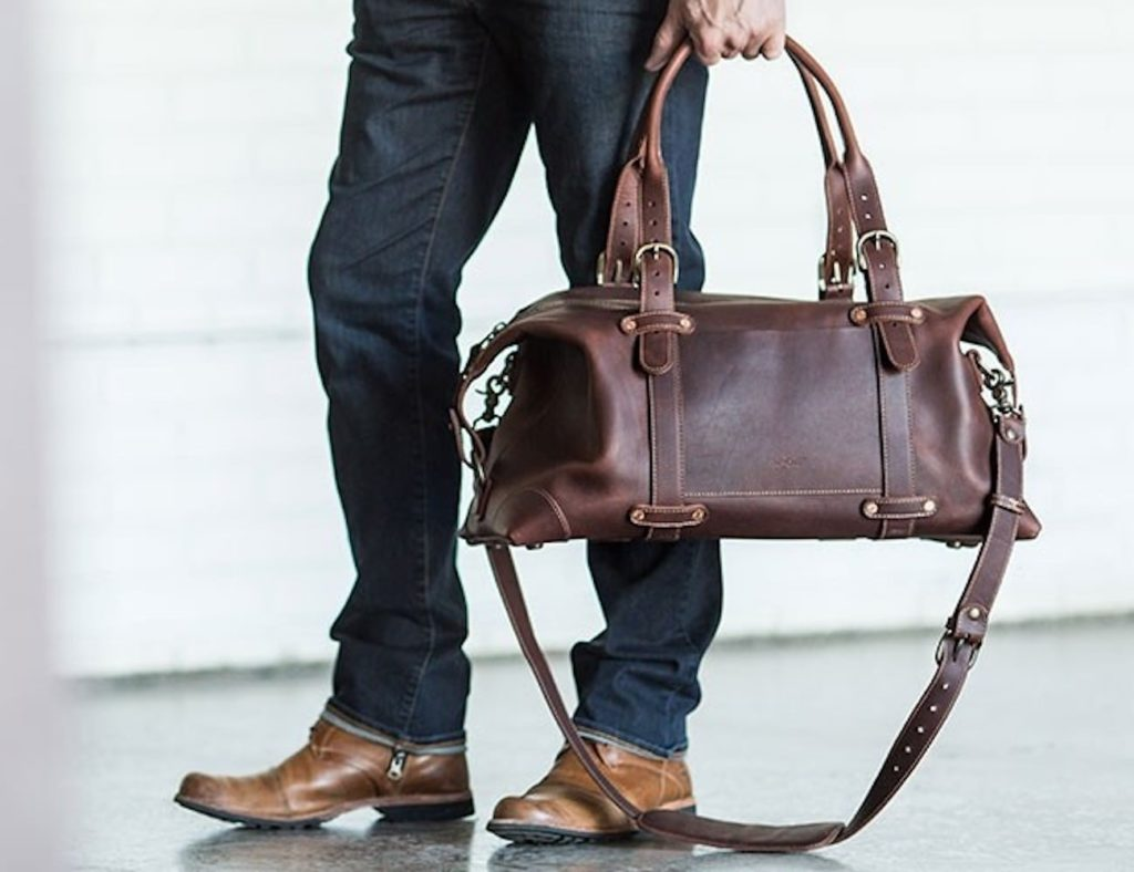 Pad+%26%23038%3B+Quill+Heritage+Leather+Duffle+Weekender+Bag+offers+lots+of+space+for+your+stuff
