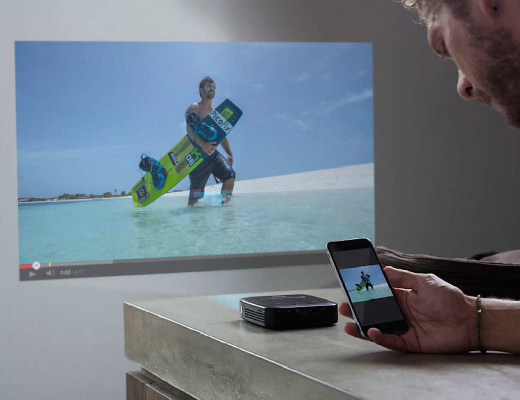 Philips+PicoPix+Smart+Pocket+Projector+shows+your+content+wherever+you+want