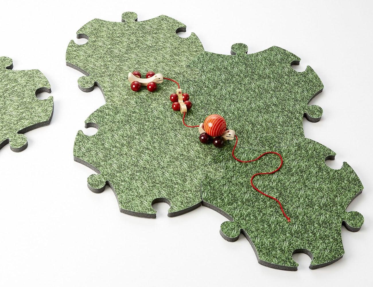 Satyendra Pakhalé Kids Modular Puzzle Carpet enhances kid's motor skills