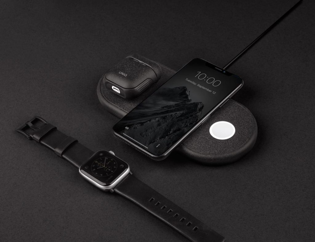 Uniq+Aereo+Fast+Wireless+Charging+Pad+charges+your+Apple+products+simultaneously