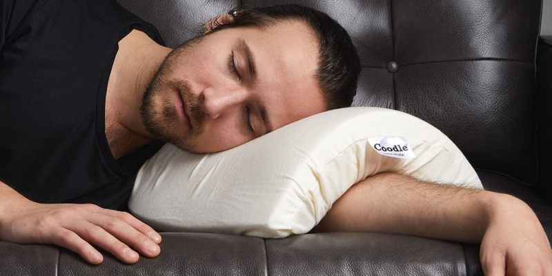 Coodle Arch Shaped Arm Pillow - Has time run out on Daylight Savings? Here's what the experts say