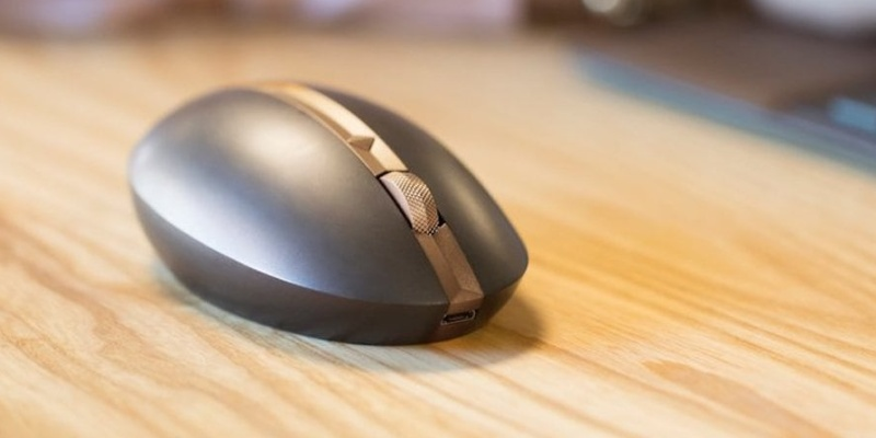 four-way scrolling - Want to be more productive? HP's Spectre 700 wireless mouse can help