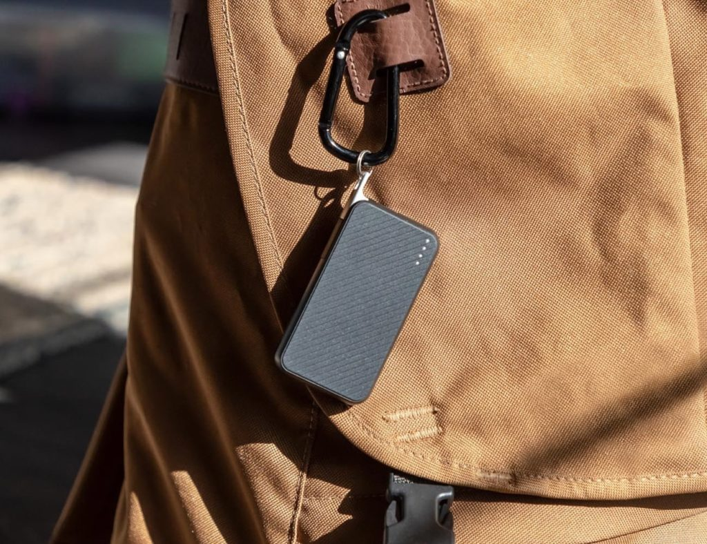 mophie+Powerstation+Keychain+Power+Bank+charges+your+smartphone+on+the+go