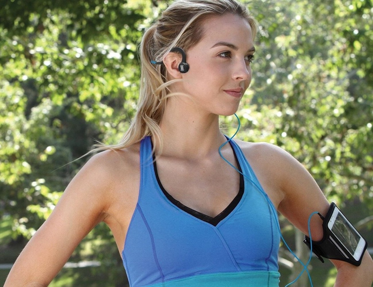 Aftershokz Sportz Titanium with Mic Wired Sport Headphones provide incredible sound