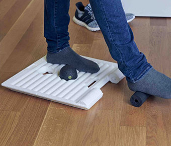 BLACKROLL%C2%AE+SMART+MOVE+BOARD+Standing+Desk+Mat+keeps+you+active