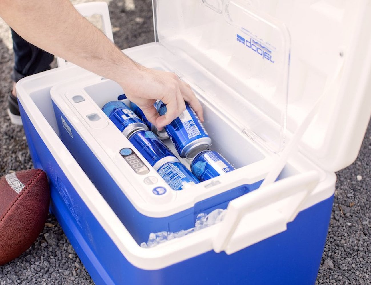 Blue Quench QOOLER Drink-Chilling Device instantly chills your drinks