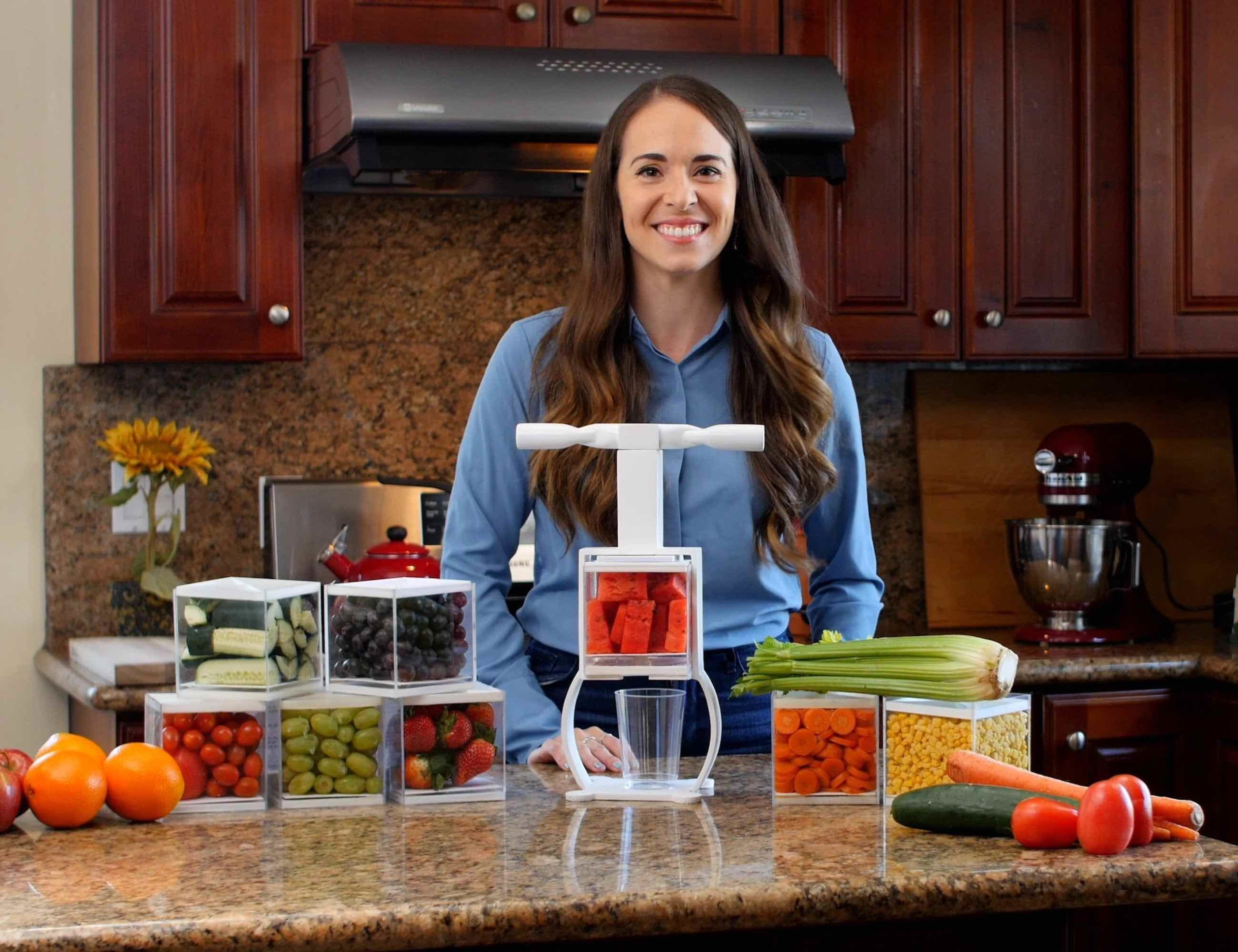 Coolest Juicer Affordable Manual Juicer doesn't let food go to waste