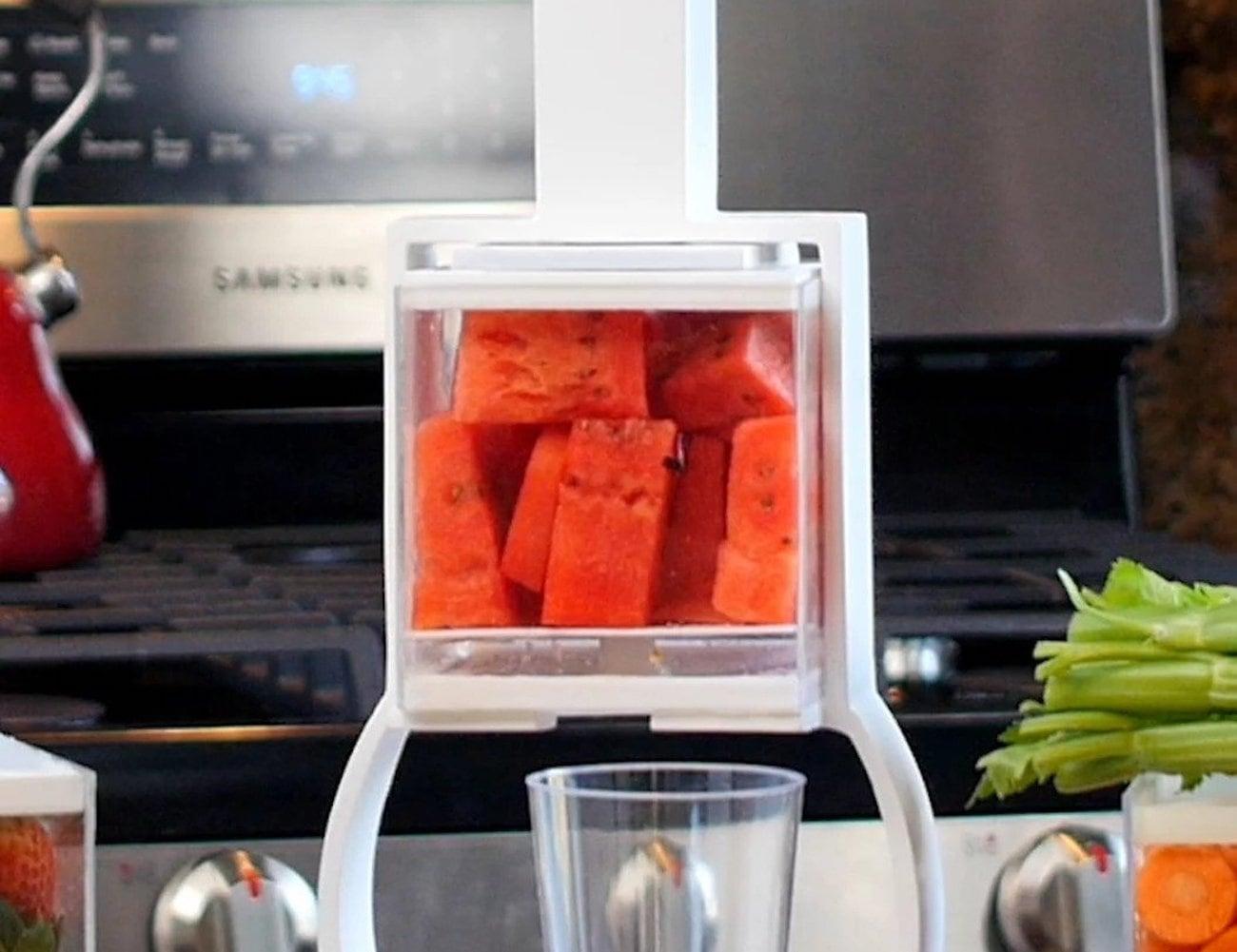 Coolest Juicer Affordable Manual Juicer doesn't let food go to waste