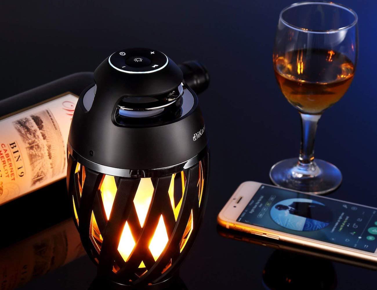 DiKaou LED Table Lamp Bluetooth Speaker emits high-quality sound