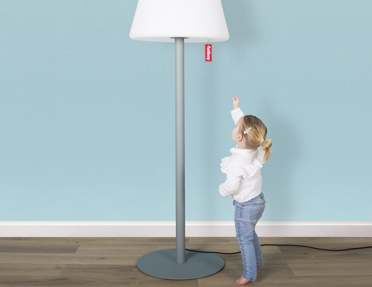 Fatboy Edison the Giant Dimmable LED Floor Lamp gives flair to minimalism