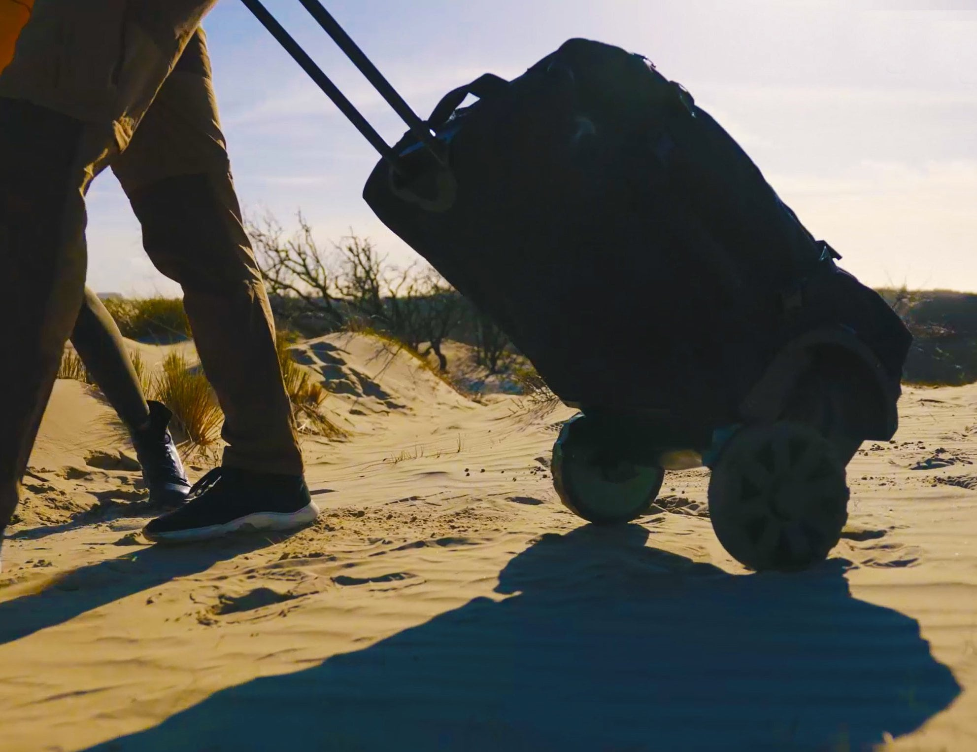 GRINGO All-Terrain Wheeled Travel Bag lets you tackle any terrain