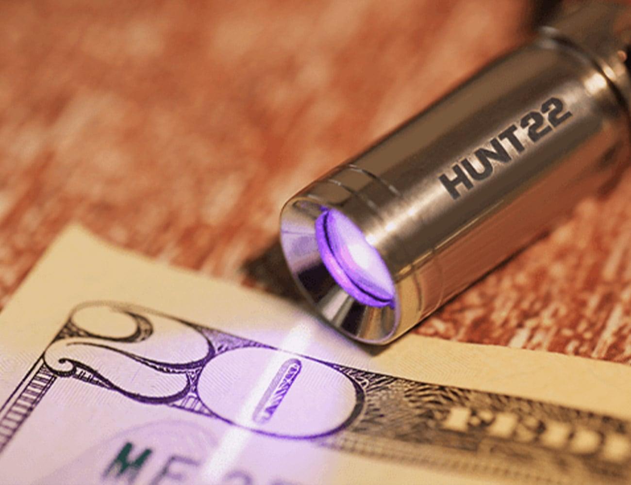 HUNT22 Ultra Compact UV Flashlight measures less than an inch long
