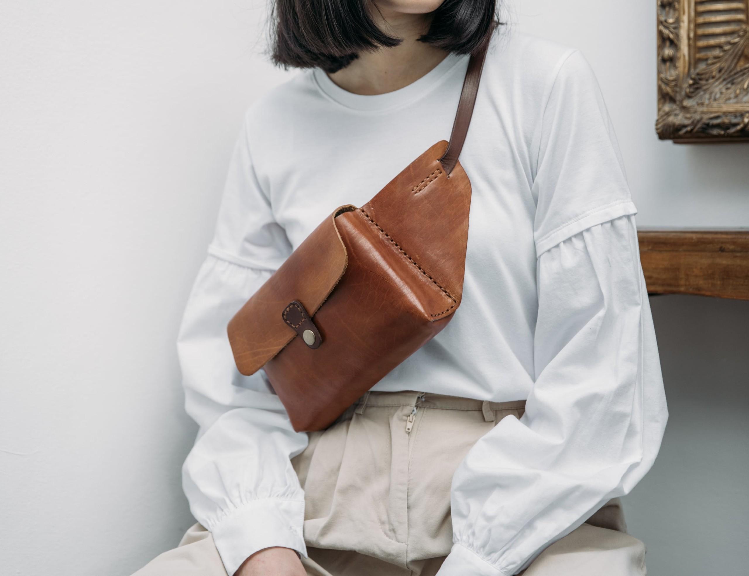 LindenLeatherCo Leather Belt Bag keeps your hands free