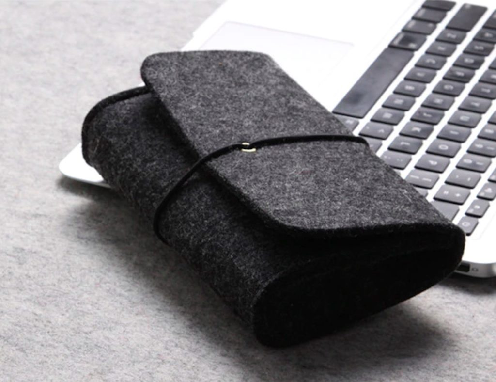 Mini+Felt+Digital+Storage+Pouch+keeps+your+devices+safe+and+secure