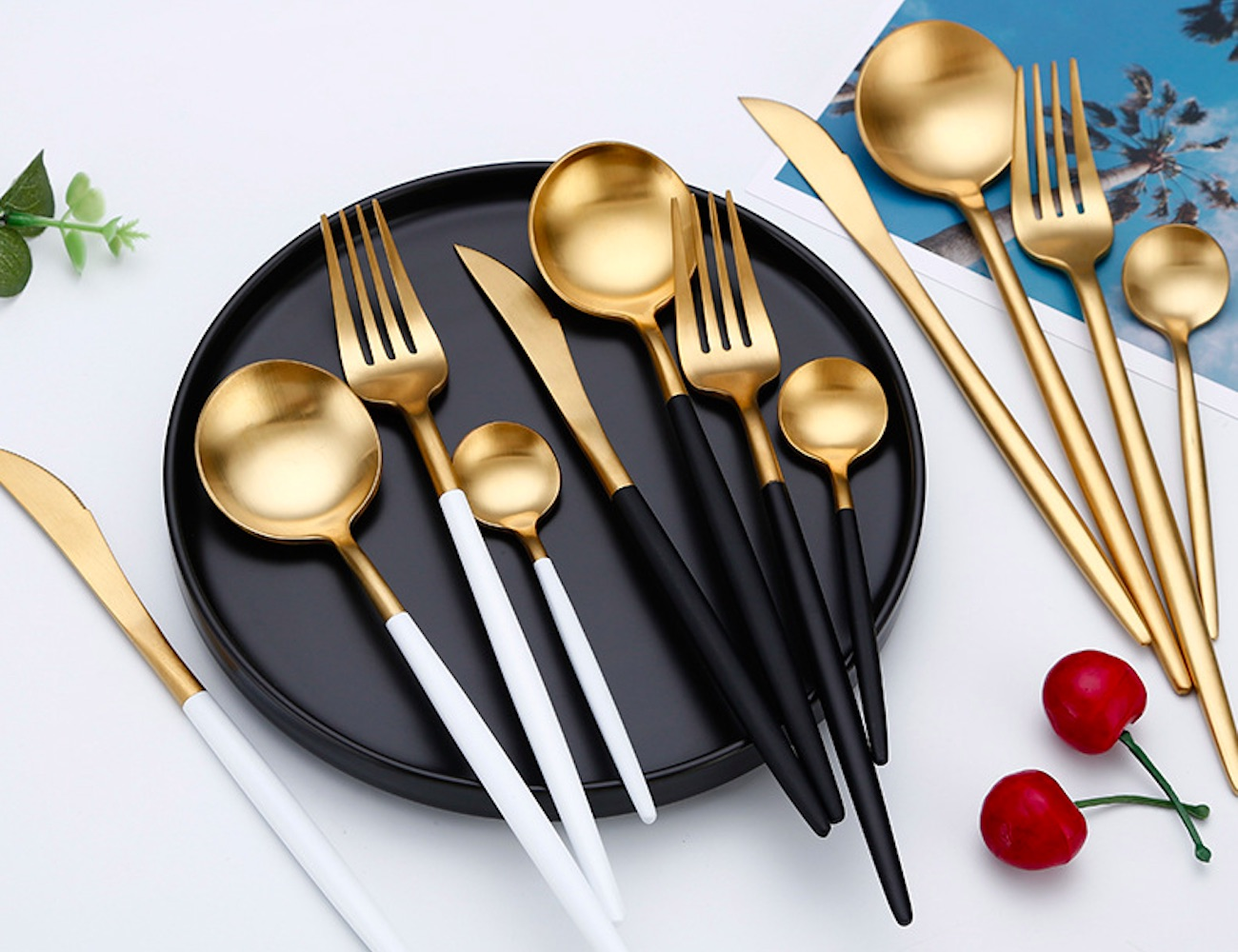Modern Metallic Cutlery Set brings style to your table