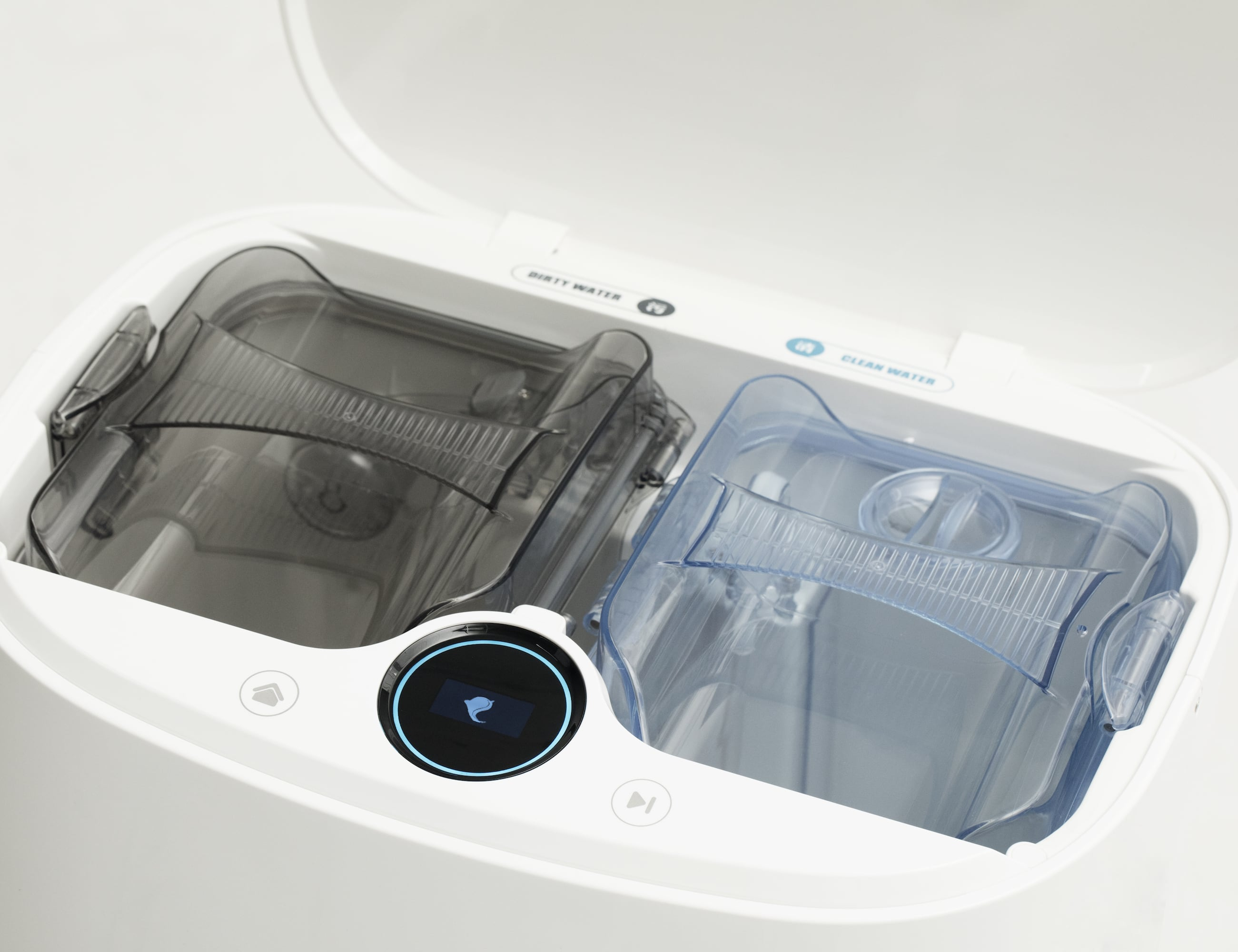 This Robotic Mop And Vacuum Actually Cleans Itself