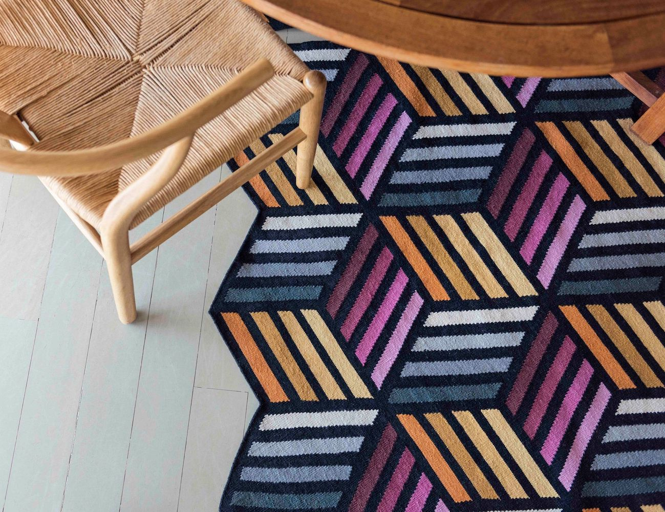 Parquet Modular Rug can change shape and size