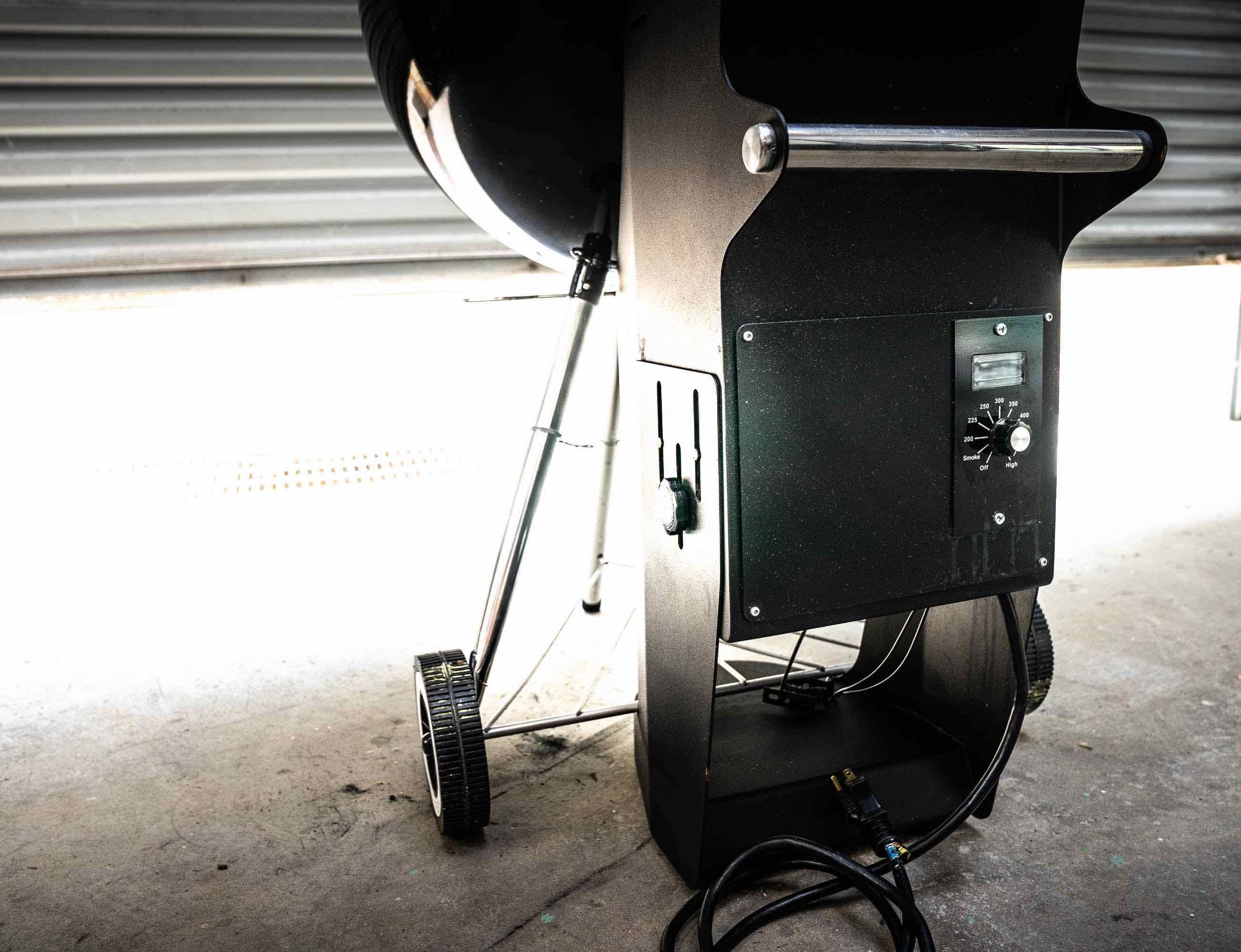 Pella Weber® Kettle Grill Pellet Adapter reaches up to 500°F