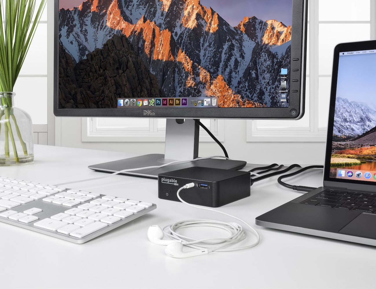 Plugable Mini Docking Station gives you more screen to work with