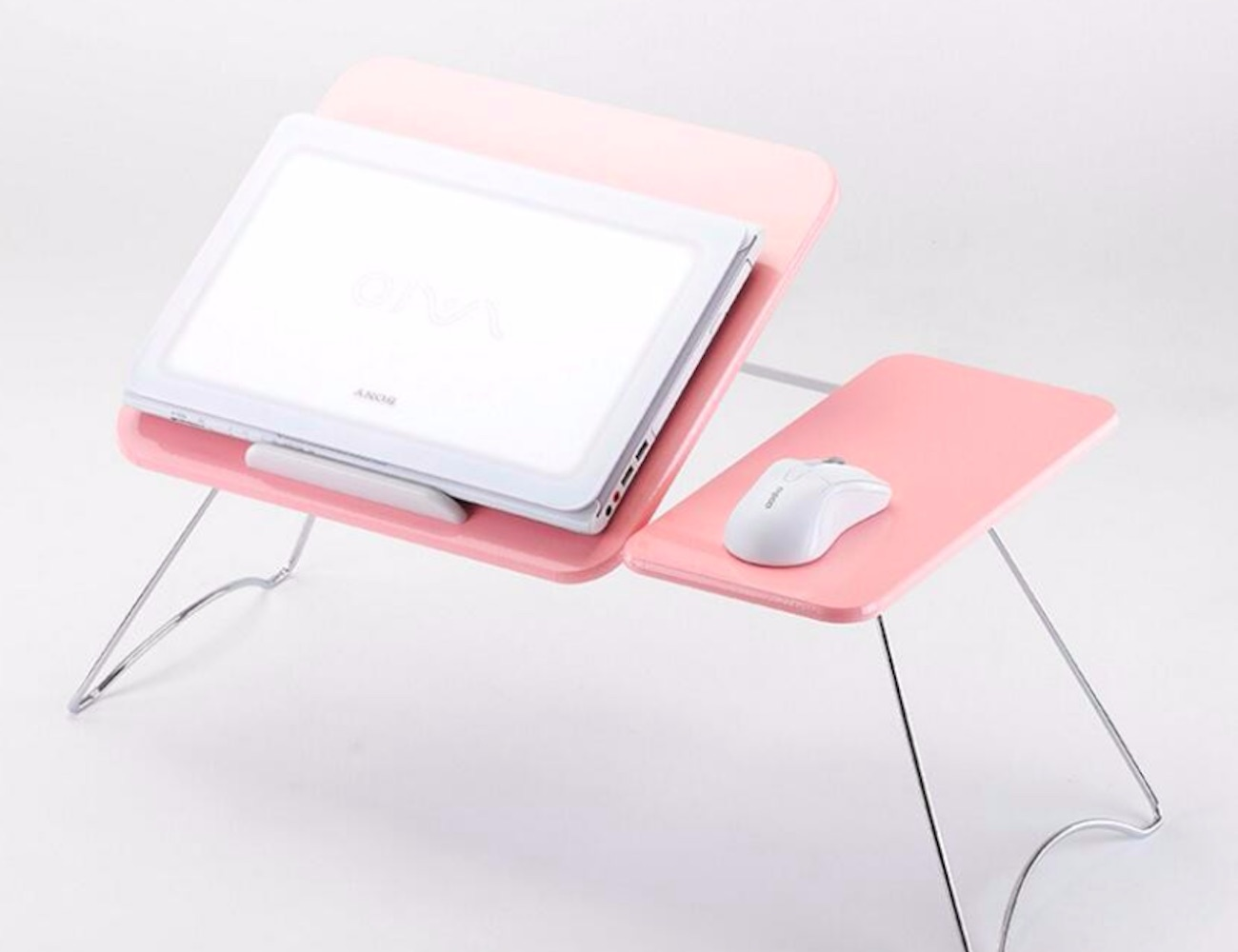 Picture of: This Foldable Lap Desk Lets You Take Your Office Anywhere