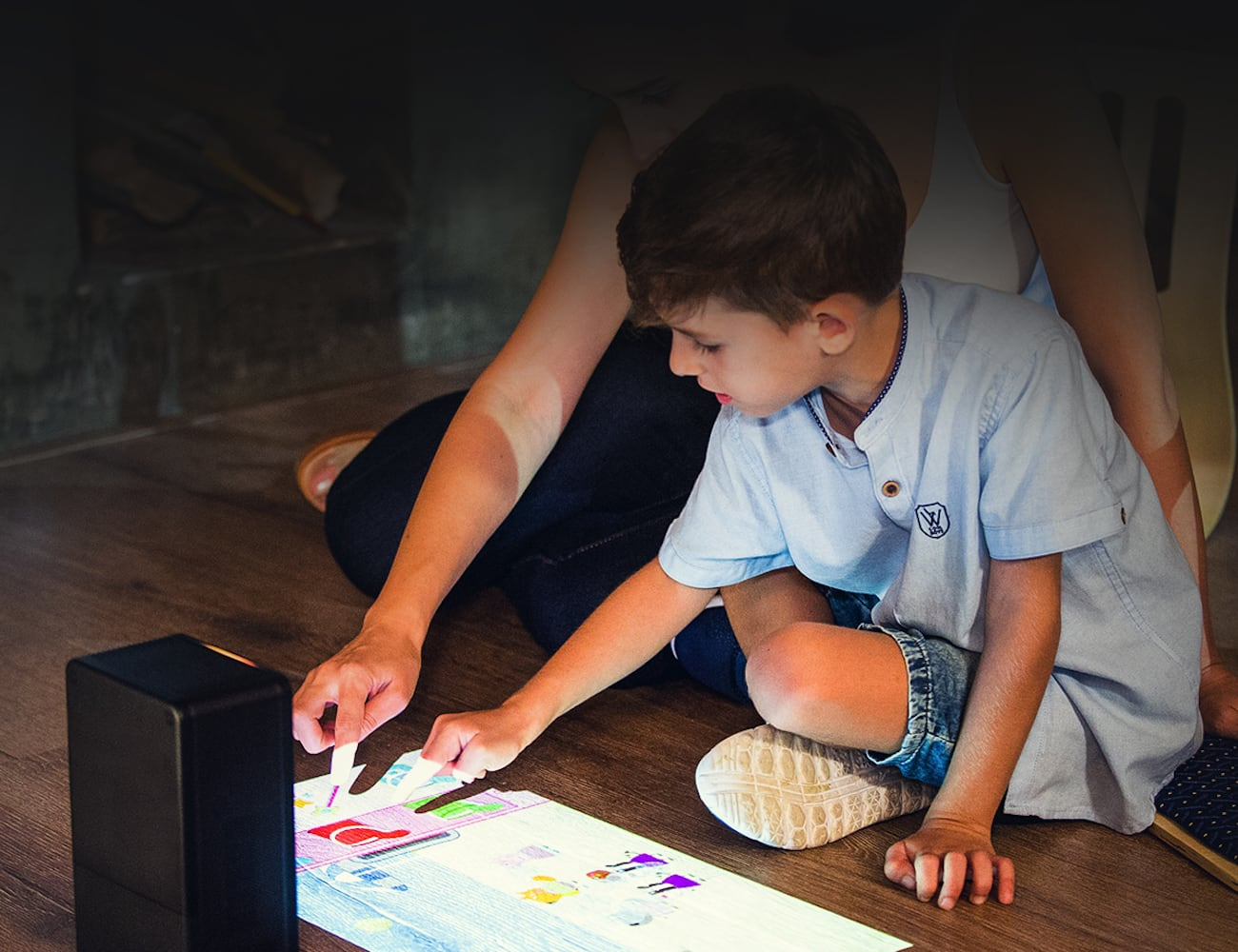Puppy Cube Standalone Interactive Touchscreen Projector turns any surface into a touchscreen