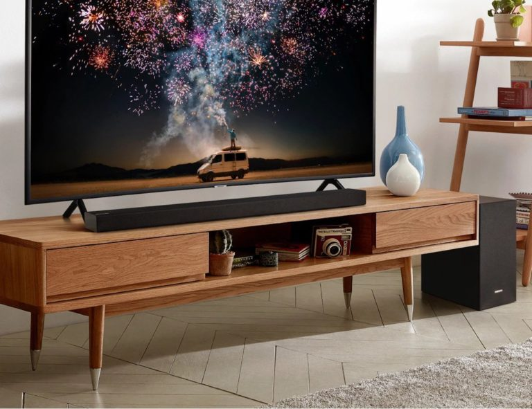 Samsung+R+Series+Soundbar+Collection+goes+perfectly+with+your+Samsung+TV