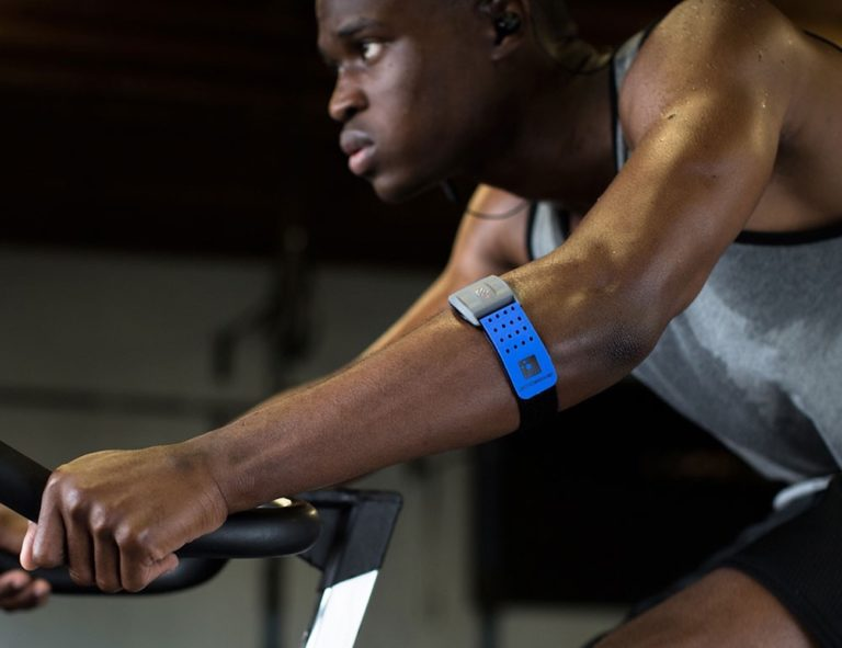 Scosche+Rhythm%2B+Armband+Heart+Rate+Monitor+tracks+exercise+intensity