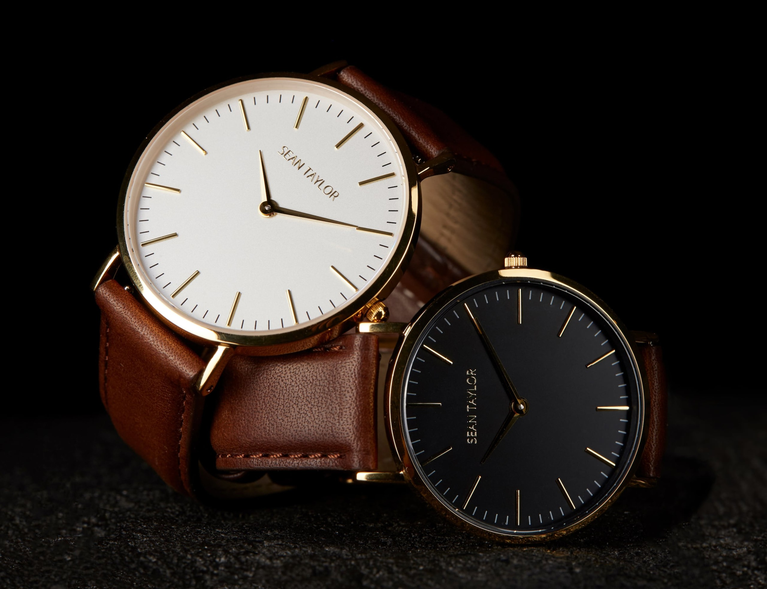 Sean Taylor Italian Leather Minimalist Watch is elegant and durable