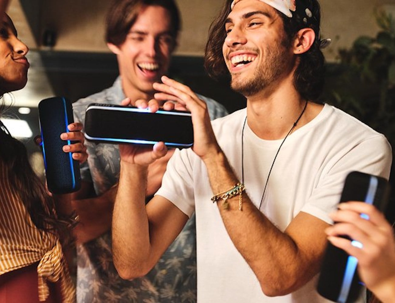 Sony SRS XB22 Extra Bass Portable Bluetooth Party Speaker keeps your party going