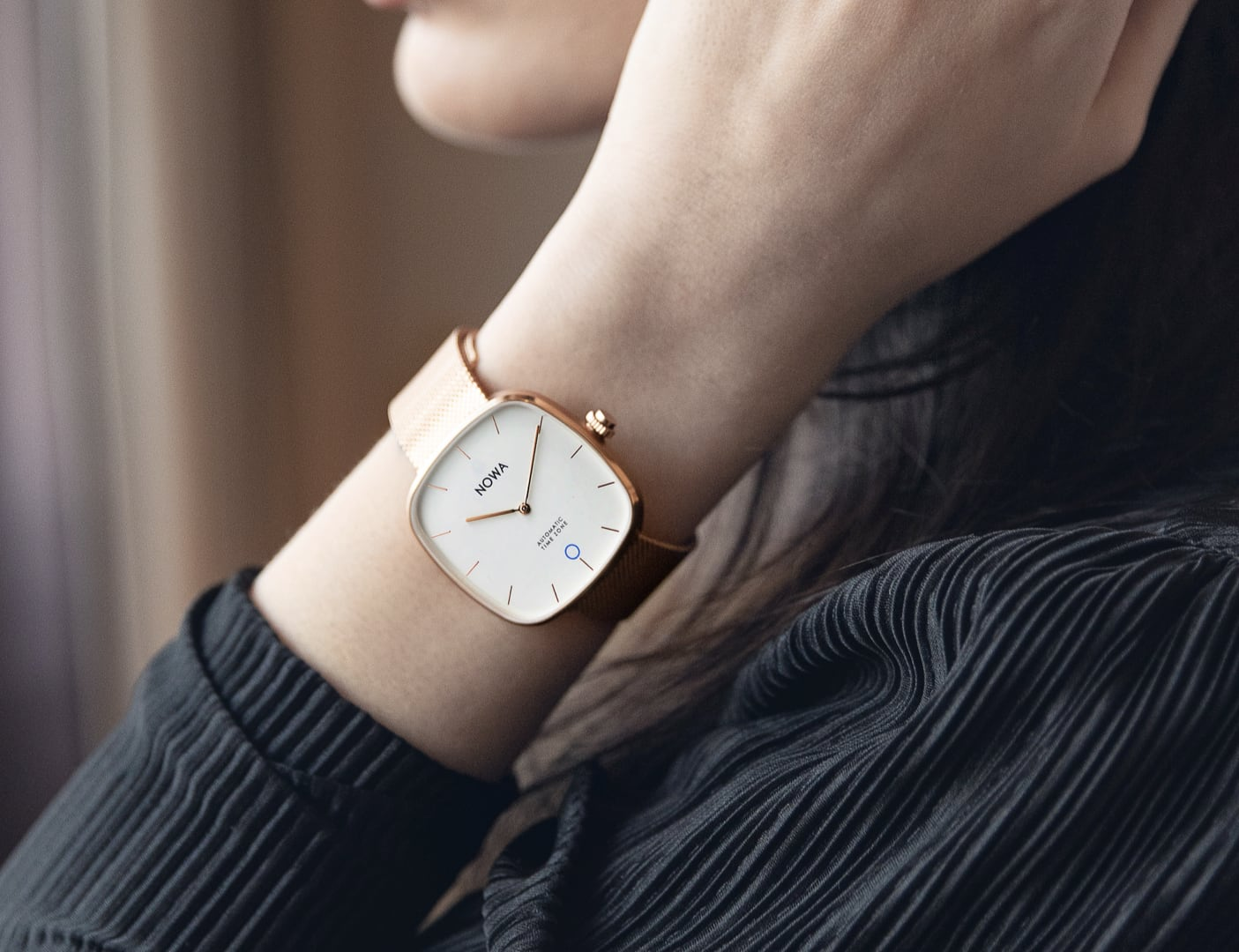 Superbe Timeless Hybrid Smart Watch requires no charging