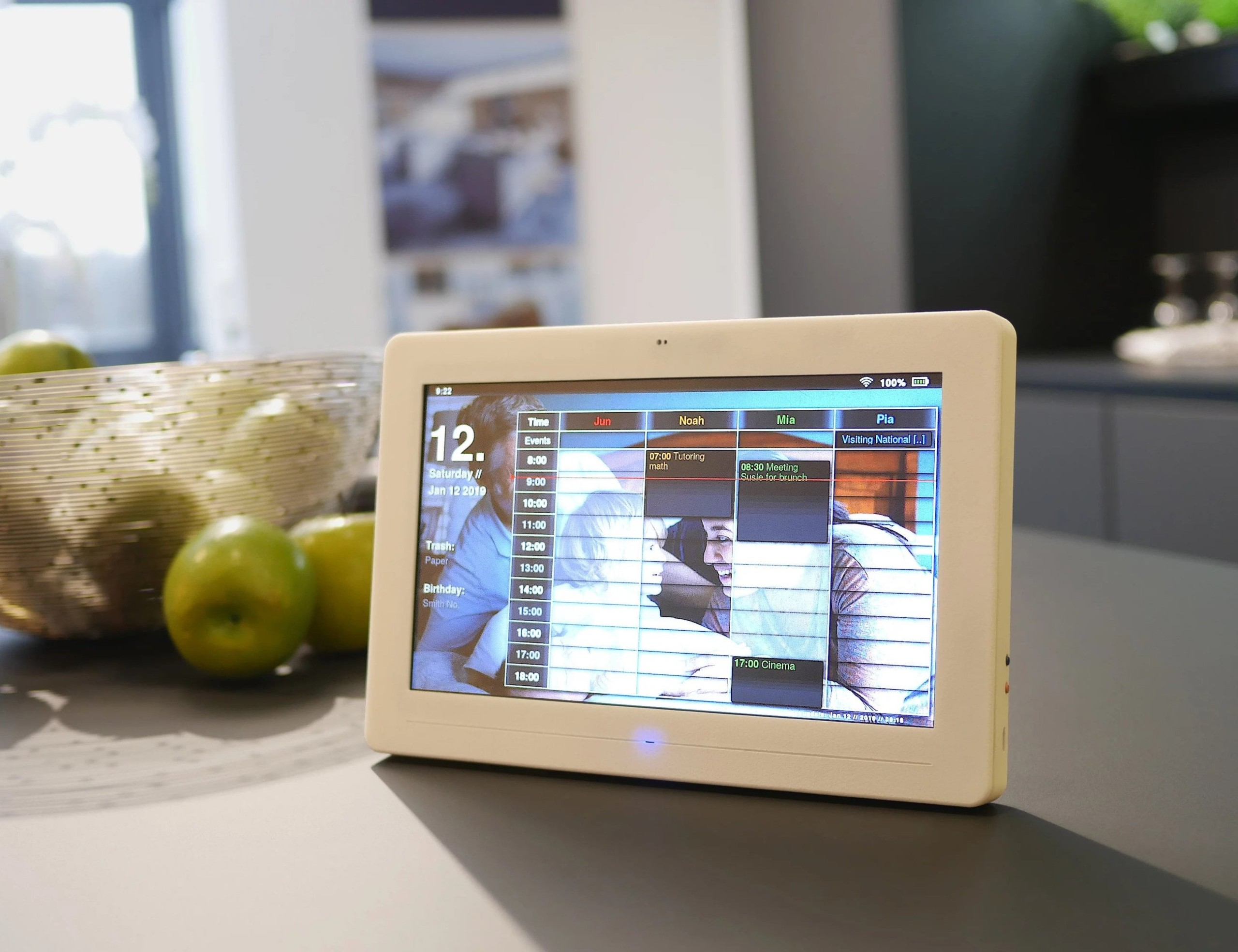 Thync Smart Digital Calendar puts it all in front of you