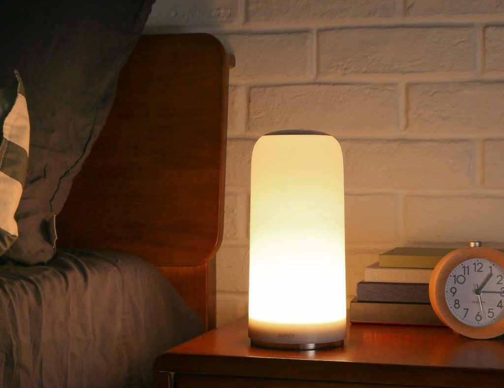 AUKEY+Touch-Sensitive+Table+Lamp+provides+the+perfect+amount+of+light