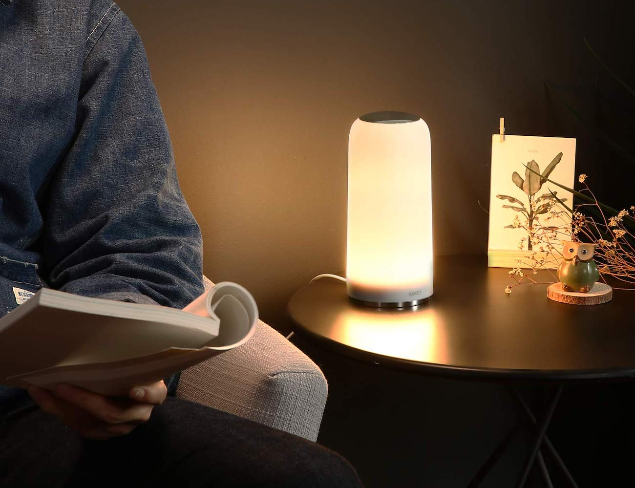 AUKEY Touch-Sensitive Table Lamp