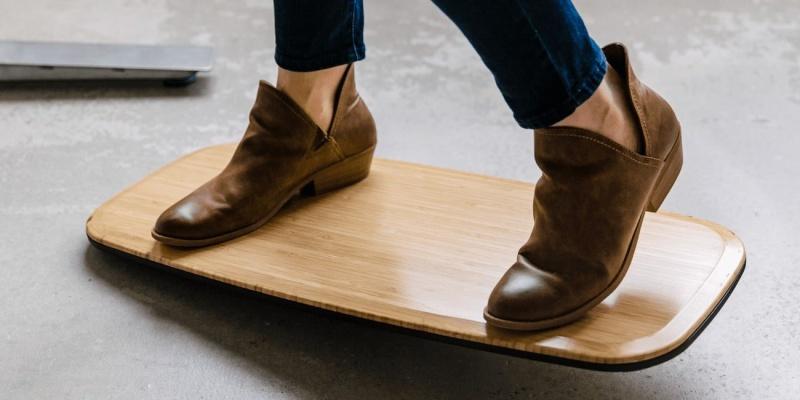 standing desk - Floatdeck makes your standing to work more comfortable