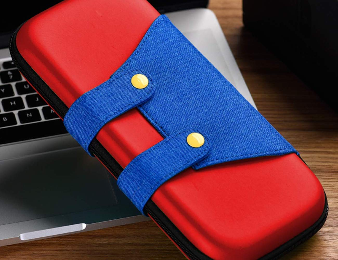 10 Must-have gaming accessories that will help you level up - Nintendo Switch Case 02