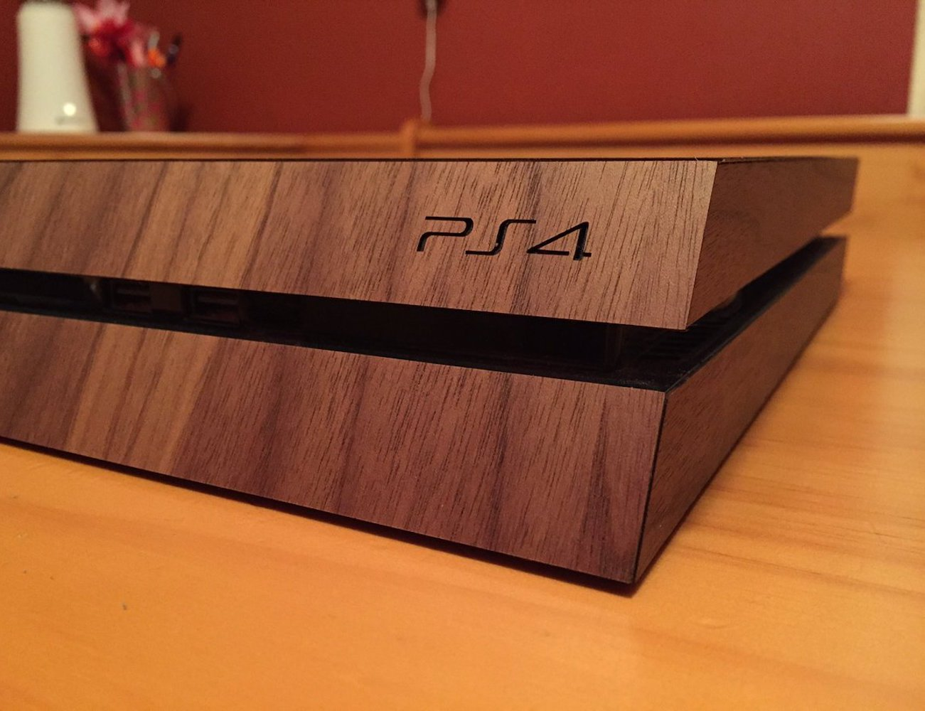 10 Must-have gaming accessories that will help you level up - Real Wood Cover 02